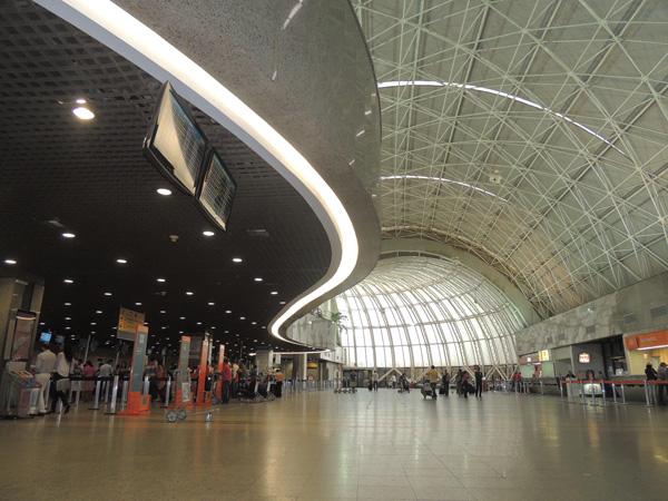 Terminal de Passageiros e Terminal de Cargas do Aeroporto Internacional Pinto Martins